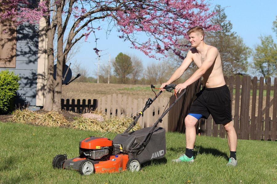 Защищаемся от солнца во время работы в саду. 14607.jpeg